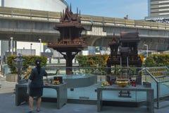 Bangkok, Thailand op 29 Januari, 2017 dat de inwoners van Thailand om de geest te respecteren Royalty-vrije Stock Foto's