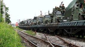 Bangkok, Thailand - schwere Artillerie und Bewaffnungen der thailändischen Armeebewegung in Bangkok stock video footage