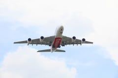 BANGKOK THAILAND - SEP12: de grote lucht van het passagiersvliegtuig vervoert 380 van per bus Stock Afbeeldingen