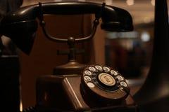 Bangkok Thailand-Sep2018: Oryginalni antyka KTAS groszaka telefonu 1930's z bakelitowym odbiorc? robi? w Dani stary rocznika styl zdjęcia royalty free
