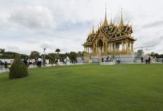 Bangkok, Thailand - September 16, 2017: Borommangalanusaranipaviljoen in de Troonzaal van Ananta Samakhom, Bedelaars Stock Fotografie