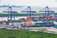 Bangkok, Thailand - September 28, 2015: De vracht van de containerlading Royalty-vrije Stock Fotografie
