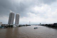 BANGKOK, THAILAND - SEPTEMBER 30: Foto van Chao Praya-rivier Royalty-vrije Stock Afbeelding