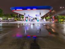 Bangkok Thailand - 15 September 2015: Ptt-bensinstation PTT är Royaltyfri Fotografi