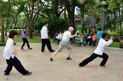 Bangkok, Thailand: Tai 'Chi in Lumphini Park Royalty Free Stock Images
