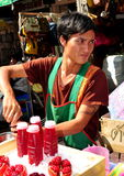Bangkok, Thailand: Vendor Selling Pomegranate Juice Stock Photography