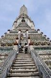 Bangkok, Thailand: Wat Arun (Tempel von Dämmerung) Lizenzfreie Stockfotos