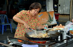Bangkok, Thailand: Woman Cooking Pad Thai Royalty Free Stock Photo