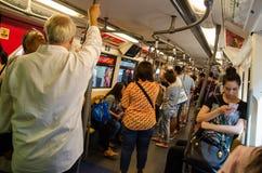 Bangkok, Thaïlande : À l'intérieur de la voiture de BTS Skytrain Image libre de droits