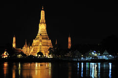 Bangkok, Wat Arun bij nacht Stock Afbeelding