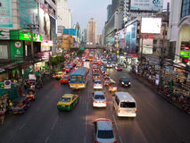 Bangkok wieczór ruch drogowy obraz stock