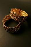 bangladesh Färgrika traditionella smycken från Indien på svart backgro Arkivfoton