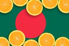 Bangladesh flagga i citrusfruktskivahorisontalram fotografering för bildbyråer