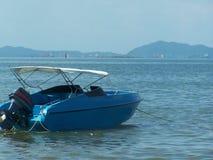 Bangsan Küstenatmosphäre des Bootes und des Strandes Lizenzfreie Stockfotografie