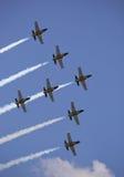 A equipe acrobática do jato de Breitling da equipe executa Imagens de Stock
