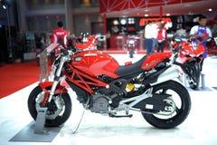 BANGUECOQUE - 24 DE MARÇO: Velomotor do Superbike de Ducati Fotografia de Stock Royalty Free