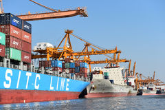 BANGUECOQUE, fevereiro 26,2015: Autoridade portuária de Tailândia imagem de stock