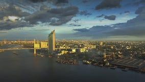 Banguecoque o rio da vida (rio de Chaophraya, Tailândia) imagens de stock royalty free
