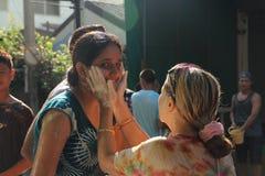 Banguecoque, Tailândia - 15 de abril: Molhe a luta no ano novo tailandês do festival de Songkran o 15 de abril de 2011 no soi Kra Foto de Stock