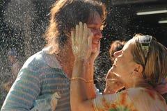 Banguecoque, Tailândia - 15 de abril: Molhe a luta no ano novo tailandês do festival de Songkran o 15 de abril de 2011 no soi Kra Foto de Stock Royalty Free