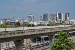 Banguecoque, Tailândia 14 de abril de 2019: Trem de céu Banguecoque e garagem do trem de céu imagens de stock royalty free