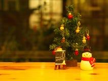 Banguecoque, Tailândia - 19 de dezembro de 2017 Feliz Natal Toy Deco Imagens de Stock