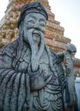 BANGUECOQUE, TAILÂNDIA - 25 DE FEVEREIRO: Chiness Stupa em Wat Pho, um de Tha Imagens de Stock Royalty Free