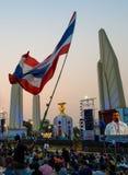 Banguecoque, Tailândia - 4 de janeiro de 2014: Protestadores antigovernamentais tailandeses Fotos de Stock