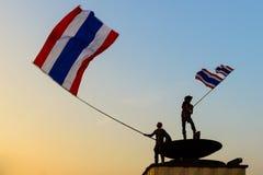 Banguecoque, Tailândia - 18 de janeiro de 2014: Protestadores antigovernamentais tailandeses Fotos de Stock