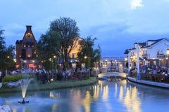 BANGUECOQUE TAILÂNDIA 9 DE JUNHO: os povos têm o jantar no ville do chocolate Fotos de Stock Royalty Free