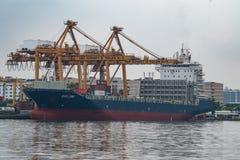 Banguecoque, Tailândia - 12 de maio de 2017: Autoridade portuária de Banguecoque de Tha imagens de stock