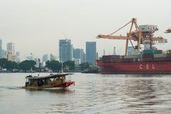 Banguecoque, Tailândia - 12 de maio de 2017: Autoridade portuária de Banguecoque de Tha fotografia de stock