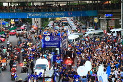 Banguecoque, TAILÂNDIA - 19 de maio de 2016: A cidade de Leicester chega em Banguecoque aos heróis na estrada de Sukhumvit no 19  Foto de Stock