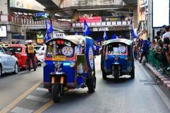 Banguecoque, TAILÂNDIA - 19 de maio de 2016: A cidade de Leicester chega em Banguecoque aos heróis na estrada de Sukhumvit no 19  Imagens de Stock Royalty Free