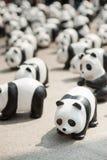 Banguecoque, Tailândia - 8 de março de 2016: acampamento de 1600 pandas de Mache do papel Imagem de Stock Royalty Free