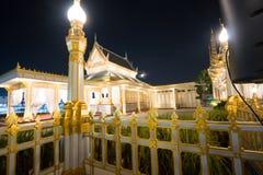 Banguecoque, Tailândia - 4 de novembro de 2017; arquitetura no crematório real para o rei Bhumibol Adulyadej imagem de stock royalty free