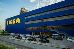 Banguecoque, Tailândia - 28 de novembro de 2015: A paisagem da primeira loja de Ikea de Tailândia no shopping mega de Bangna Imagem de Stock