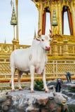 Banguecoque, Tailândia: 29 de novembro de 2017, o crematório real para o HM rei Bhumibol Adulyadej em Sanum Luang fotografia de stock royalty free