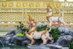 Banguecoque, Tailândia: 29 de novembro de 2017, o crematório real para o HM rei Bhumibol Adulyadej em Sanum Luang fotos de stock