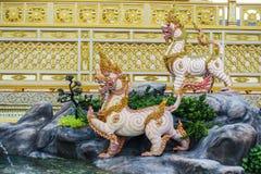 Banguecoque, Tailândia: 29 de novembro de 2017, o crematório real para o HM rei Bhumibol Adulyadej em Sanum Luang imagens de stock