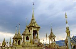 Banguecoque, Tailândia: 29 de novembro de 2017, o crematório real para o HM rei Bhumibol Adulyadej em Sanum Luang fotografia de stock