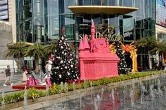 Banguecoque, Tailândia: Decorações do Xmas de Sião Pargon Imagem de Stock Royalty Free
