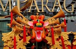 Banguecoque, Tailândia: Dragão chinês do ano novo Imagens de Stock