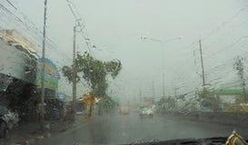 Banguecoque-Tailândia: Está derramando com chuva quando eu estou conduzindo Imagem de Stock Royalty Free