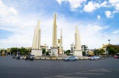Banguecoque, Tailândia: Monumento da democracia Imagens de Stock Royalty Free