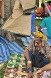 Banguecoque/Tailândia - 08 05 2013: O bloco amarelo das camisas e ocupa Lumphini Fotografia de Stock Royalty Free