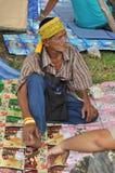 Banguecoque/Tailândia - 08 05 2013: O bloco amarelo das camisas e ocupa Lumphini Imagens de Stock