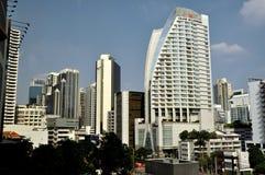 Banguecoque, Tailândia: Opinião moderna da skyline Fotografia de Stock