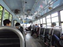 Banguecoque-Tailândia: Povos no ônibus Imagens de Stock Royalty Free