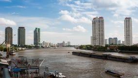 Banguecoque Tailândia rio de Chao Phraya do 25 de junho de 2016 na ponte de Taksin do formulário de Sathorn, Timelapse filme
